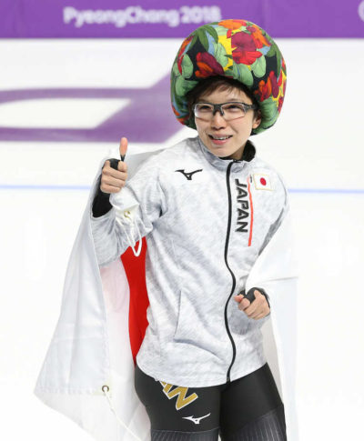小平奈緒選手 変な帽子